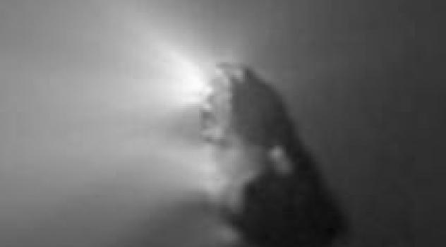 Pezzi di cometa di Halley bruciano rientrando nell'atmosfera terrestre